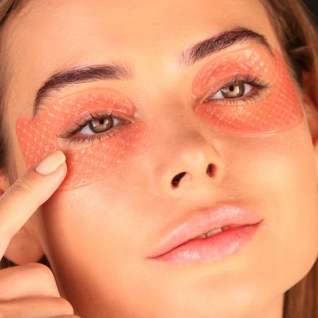 مجموعة بلاك بيرل ماسك للعين مع قناع العين روز اسينشيال أويل