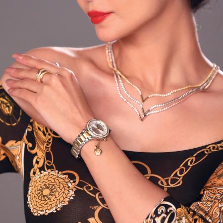 """مجموعة مكونة من ساعد يد """"مارسيليا"""" ومجوهرات"""