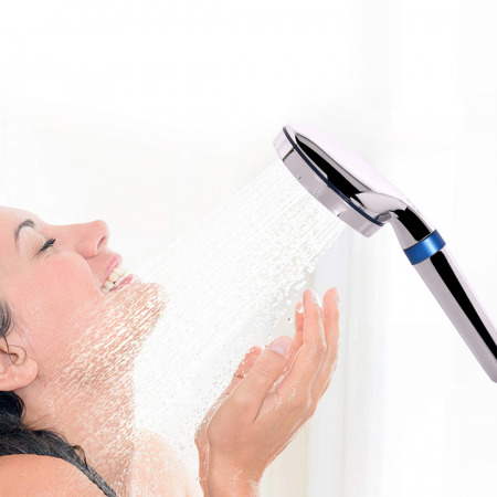 Ionic Shower Filter With 5 Cartridges & Travel Bag