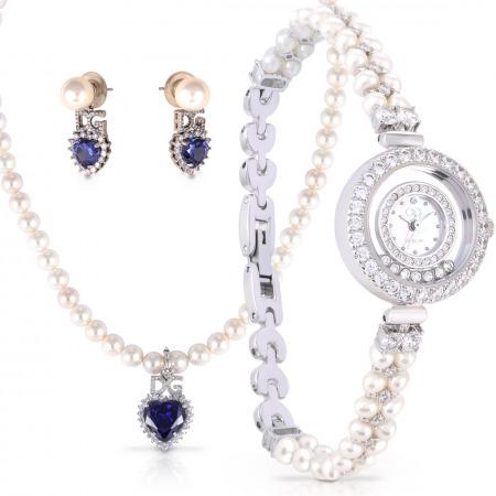 ساعة يد فضية مُزينة بالكريستالات مع مجموعة مجوهرات اللؤلؤ