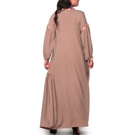 فستان حسناء المُطرز باللون البني - كبير/كبير جداً