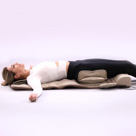 حصيرة كهربائية لشد عضلات الجسم وتدليكه
