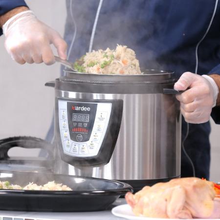 6 Liter Pressure Cooker - Black